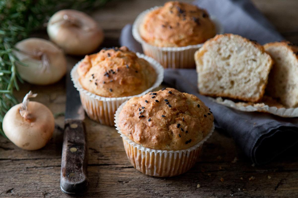 Muffin al formaggio e cipolline borettane