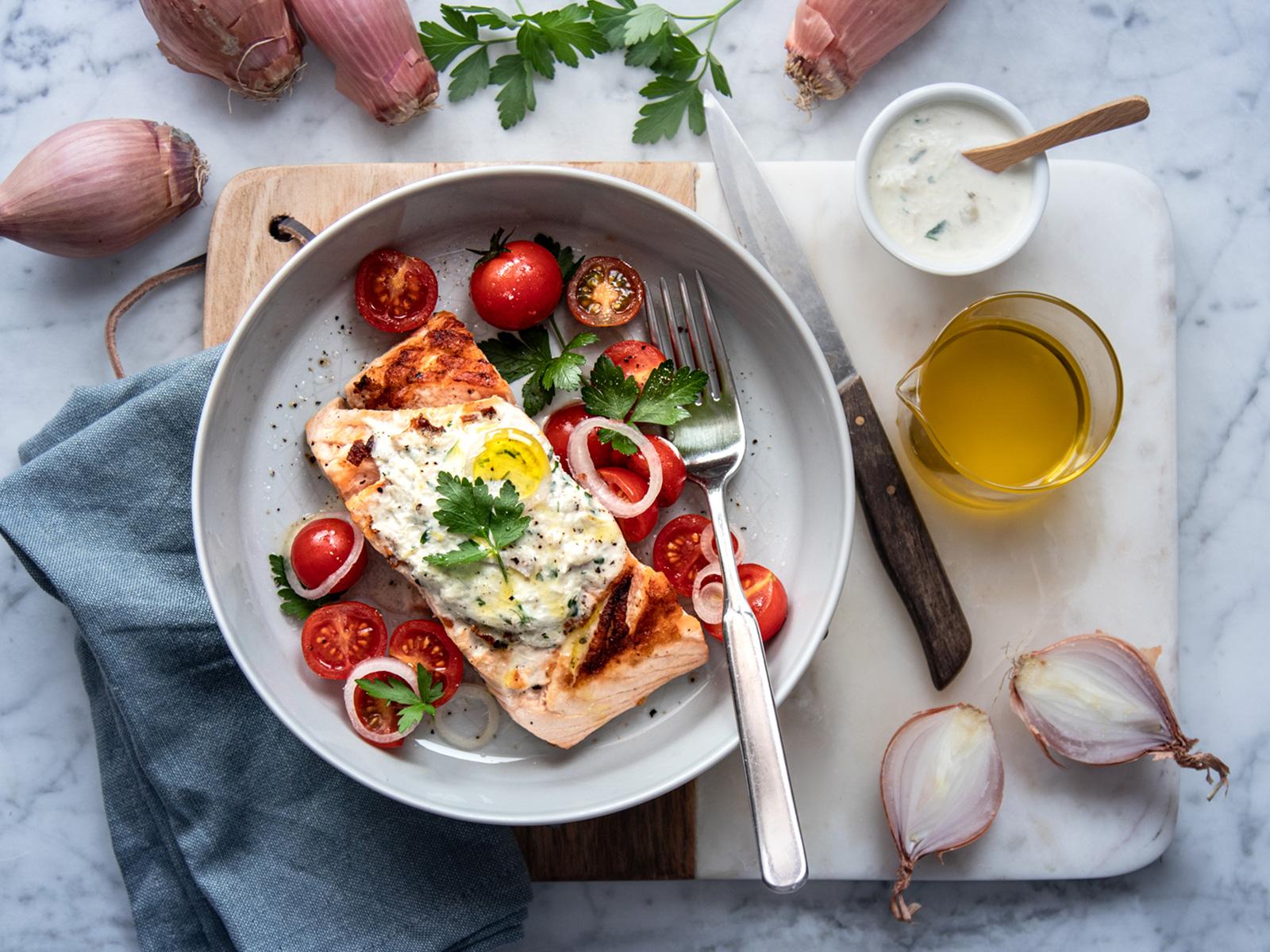 Salmone scottato alla piastra con salsa allo Scalogno dell'Emilia